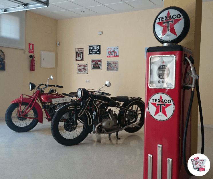 pompa di benzina Texaco e Indian Motorcycle