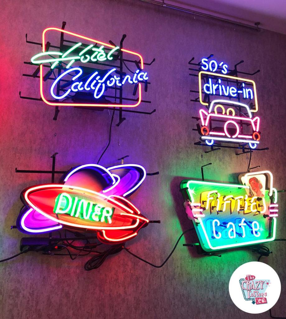 Neon Diner Rocket Space Showroom Plakat