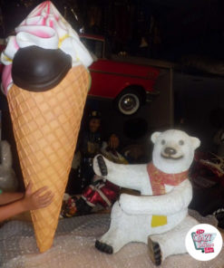 Figura Decoracion Oso Polar con Helado de sabores
