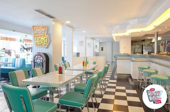 Retro American Diner møbler og Jukebox